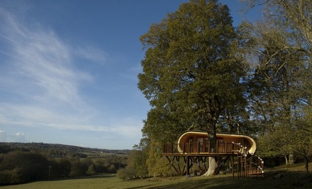 The eco-PERCH Luxury Treehouse_