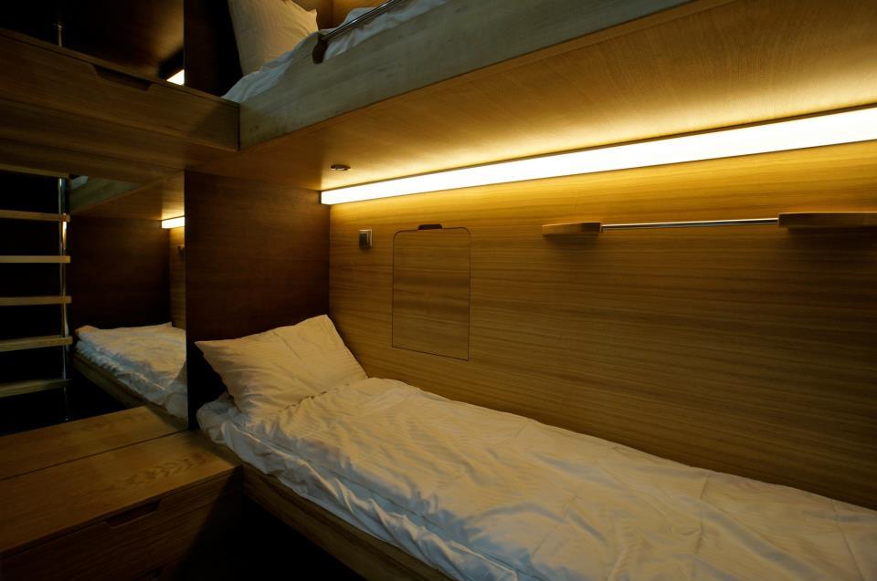 Tverskaya-Sleepbox-Hotel-in-Moskow-03