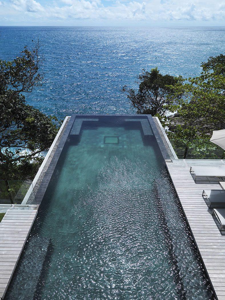 Beautiful-Residence-in-Phuket-02