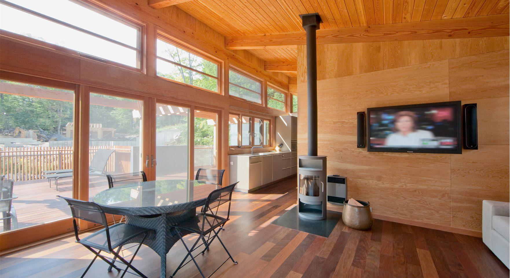Boathouse-in-Muskoka-Lakes-04