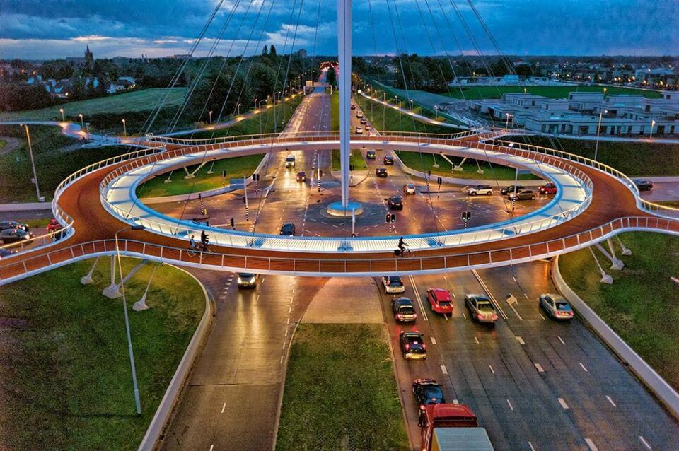 Suspended-Bicycle-Roundabout-06