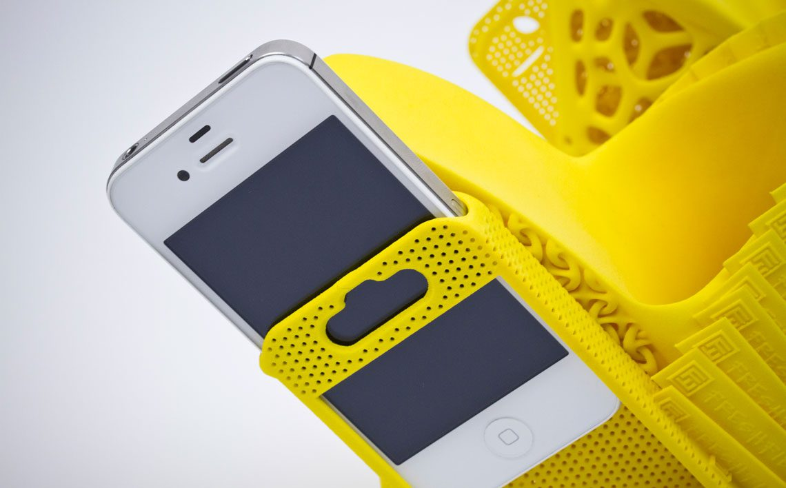 Innovative-iPhone-Shoes-01