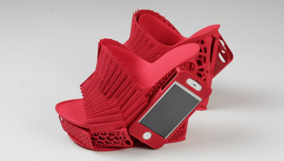 Innovative-iPhone-Shoes-02