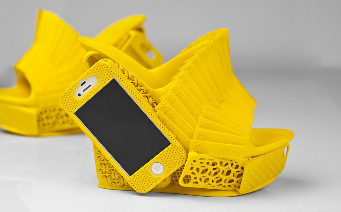 Innovative-iPhone-Shoes-03