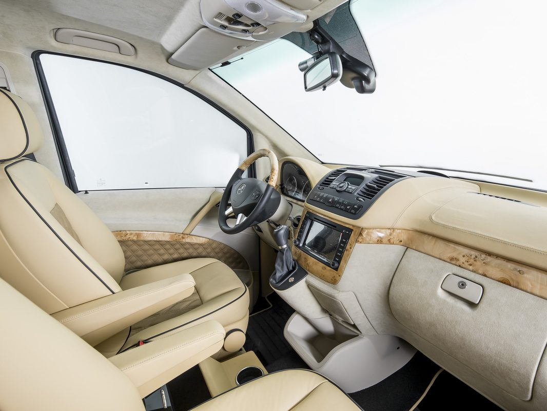 Luxury-Business-Van-04