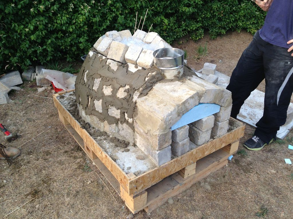 DIY-Outdoor-Project-Pizza-Oven-12 | iCreatived