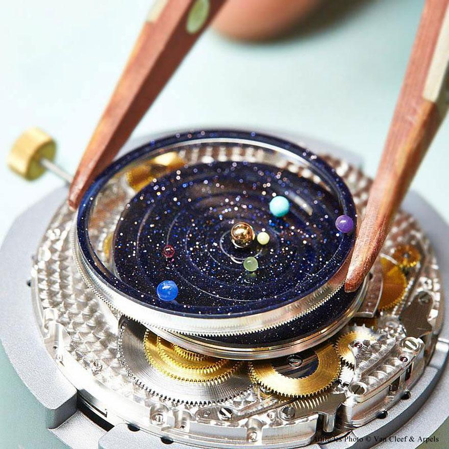 Bring-the-Solar-System-to-the-Wrist-04