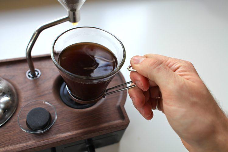 An-Amazing-Alarm-Clock-That-Makes-Coffee-09