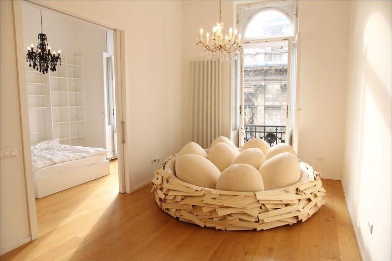 Sleep-at-The-Giant-Bird-Nest-05