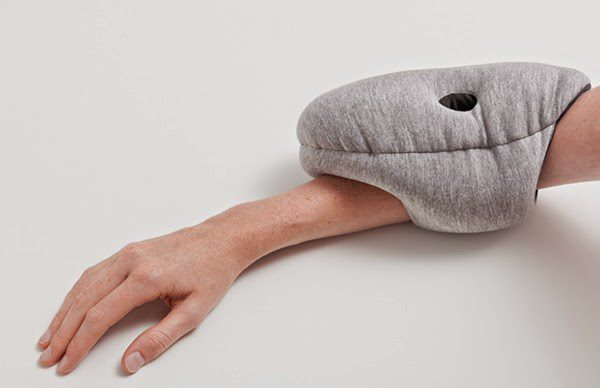 Ostrich_Pillow_Mini_one_03