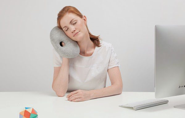 Ostrich_Pillow_Mini_one_07