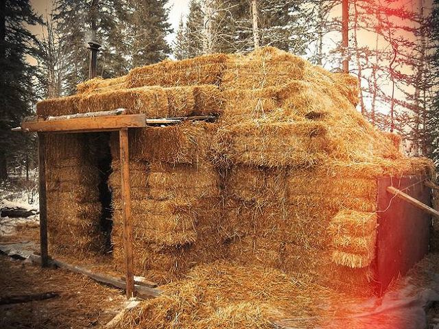Turning 1977 Dodge Camper Into An Off Grid Straw Bale Home