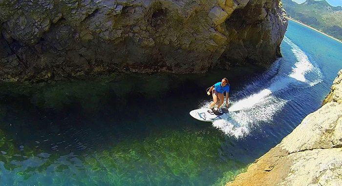 Electric Jet Surfboard That Doesn't Need Waves | iCreatived