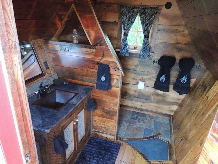 Playful Tiny Homes For Your Own Fairy Land 10