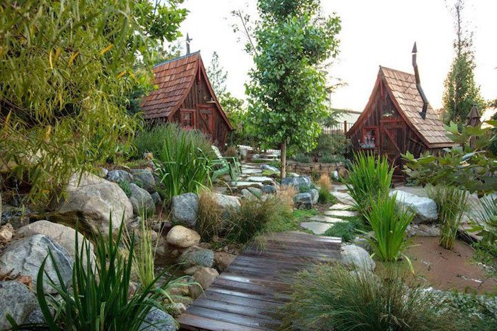 Playful Tiny Homes For Your Own Fairy Land 7