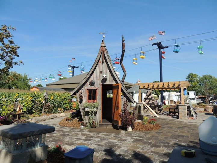 Playful Tiny Homes For Your Own Fairy Land 9