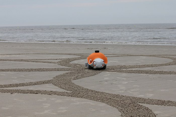 World's First Autonomous Sand Art Robot 2