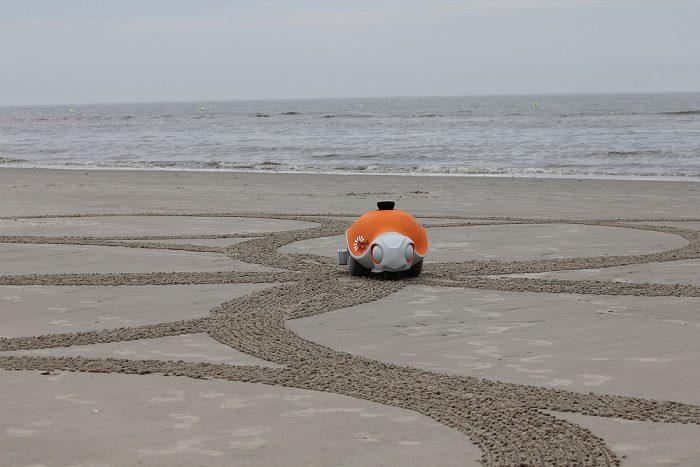 World's First Autonomous Sand Art Robot 2