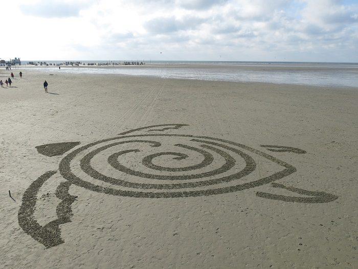 World's First Autonomous Sand Art Robot 4
