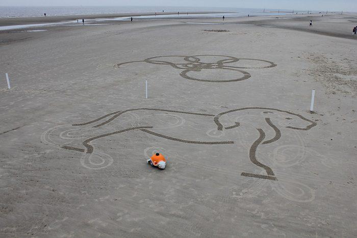 World's First Autonomous Sand Art Robot 6