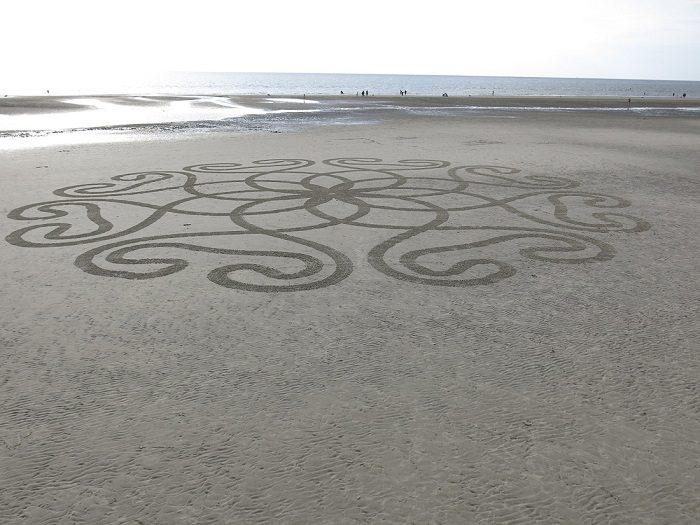World's First Autonomous Sand Art Robot 7