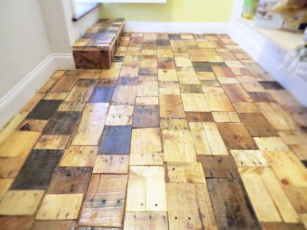 Кладовая, выполненная из кусочков различных видов предварительно отрезанной древесины