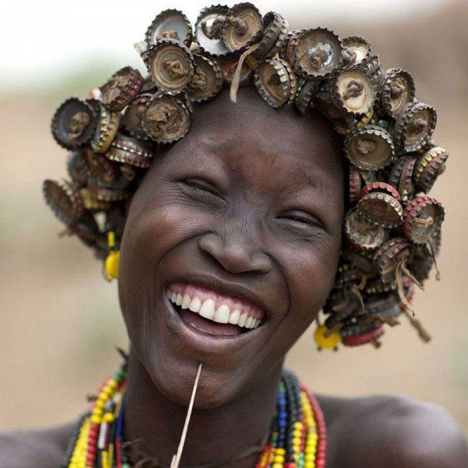 Ethiopian Tribe Turns Rubbish Into Beautiful Jewellery 12