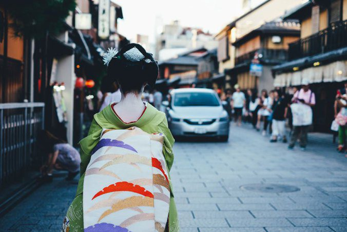 Japanese Photographer Captures Amazing Beauty Of Everyday Life In His Country 11