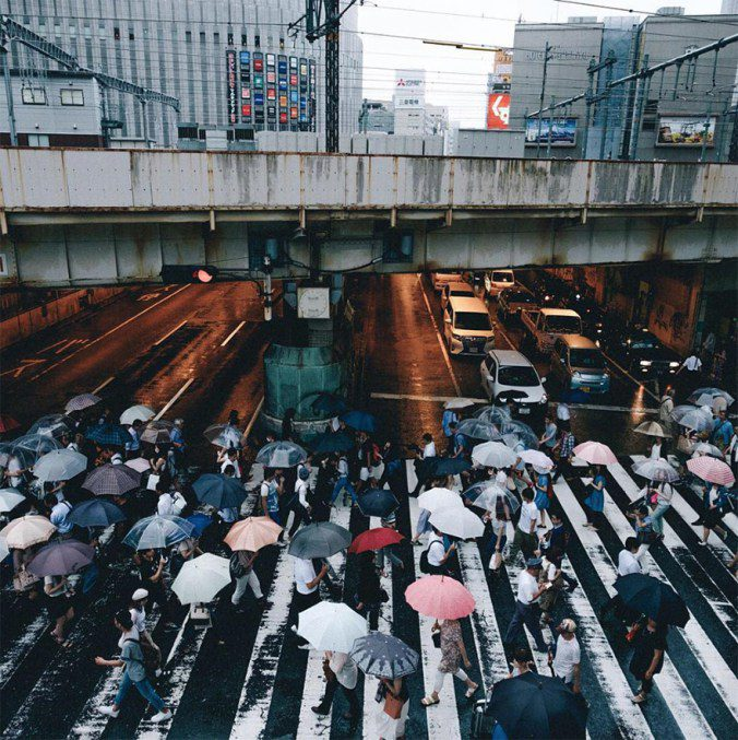Japanese Photographer Captures Amazing Beauty Of Everyday Life In His Country 8