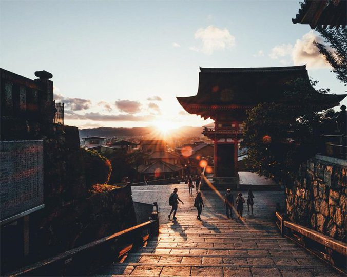 Japanese Photographer Captures Amazing Beauty Of Everyday Life In His Country 9