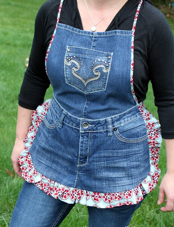 DIY Farm Girl Apron Tutorial from Recycled Jeans_