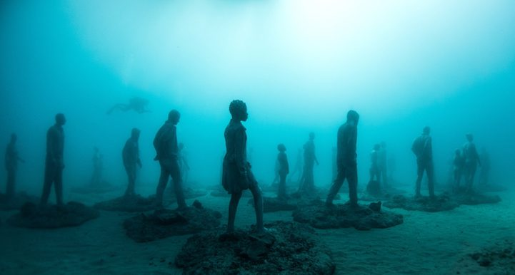 Hyperrealistic Human Sculptures Submerged in Europe's First Underwater Art Museum 1