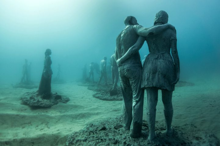 Hyperrealistic Human Sculptures Submerged in Europe's First Underwater Art Museum 10