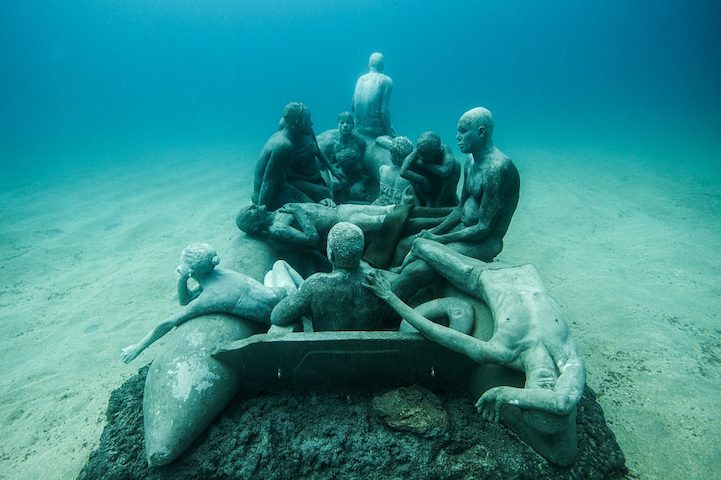 Hyperrealistic Human Sculptures Submerged in Europe's First Underwater Art Museum 2