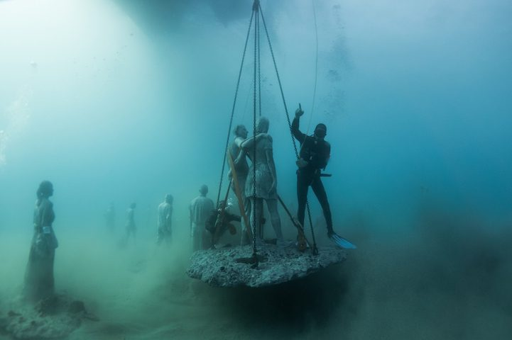 Hyperrealistic Human Sculptures Submerged in Europe's First Underwater Art Museum 5