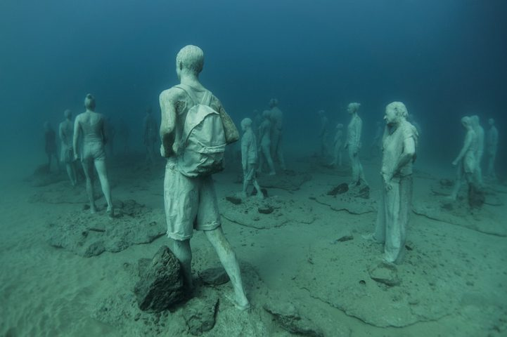 Hyperrealistic Human Sculptures Submerged in Europe's First Underwater Art Museum 6