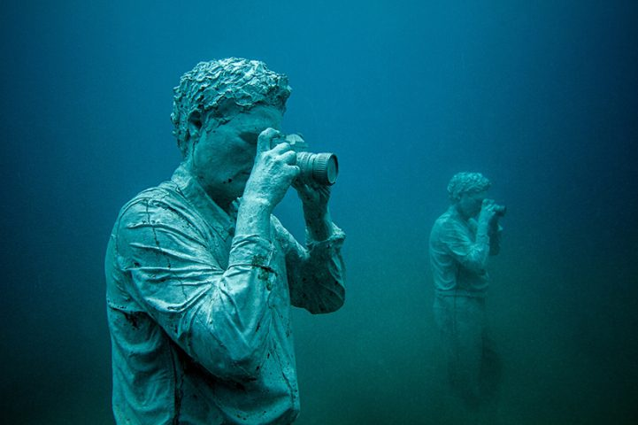 Hyperrealistic Human Sculptures Submerged in Europe's First Underwater Art Museum 8