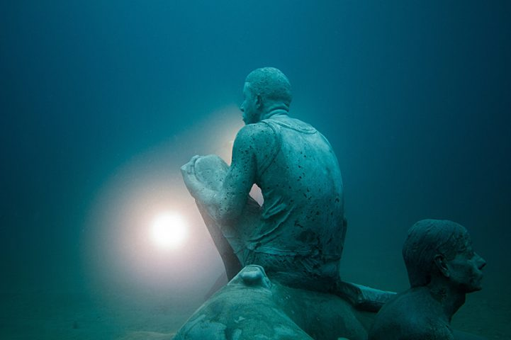 Hyperrealistic Human Sculptures Submerged in Europe's First Underwater Art Museum 9