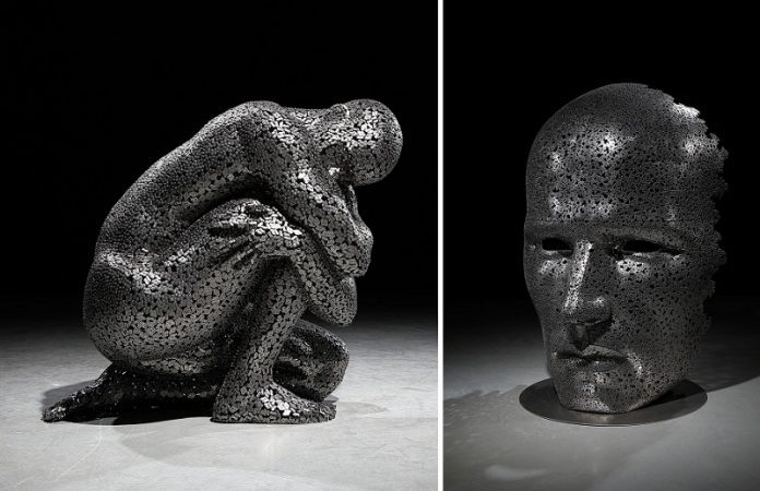 Amazing ArtWorks From Hundreds of Welded Bike Chains