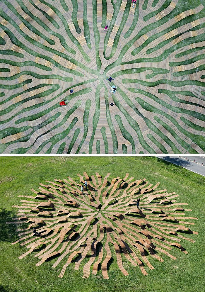 Giant Circle-Shaped Root Bench Structure designed by Yong Ju Lee
